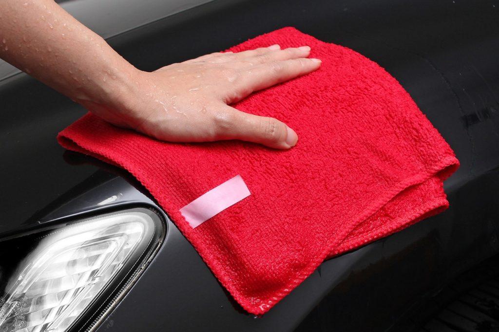 Mikrofibra w auto detailingu